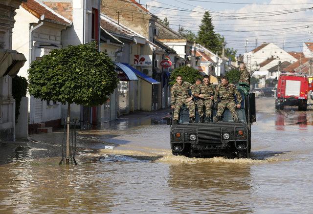 图集:巴尔干半岛百年最严重洪灾